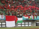 dukungan-suporter-indonesia-untuk-timnas-palestina_20180815_221047.jpg