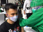 Pengalaman Jurnalis Ikut Vaksinasi Covid-19: Rasanya Seperti Digigit Semut, Efeknya Bikin Ngantuk