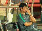 ekspresi-pelatih-timnas-u-19-indonesia-indra-sjafri_20181028_013901.jpg