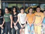 enam-waria-dan-seorang-wanita-diamankan-polsek-binjai-timur-atas-dugaan-pencurian-uang-rp-18-juta.jpg