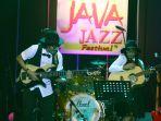 endah-n-rhesa-tampil-di-java-jazz-2018_20180302_222818.jpg