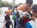 evakuasi-balita-korban-perahu-terbalik-di-wisata-jembatan-cinta-tarumajaya.jpg