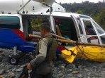 evakuasi-jenazah-terduga-teroris-santoso_20160719_180234.jpg