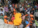 evakuasi-korban-gempa-aceh_20161209_001512.jpg