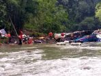 evakuasi-korban-kecelakaan-bus-sriwijaya-di-pagar-alam_20191225_182148.jpg
