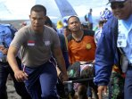 evakuasi-korban-kecelakaan-terjun-payung-di-jas-2016_20160327_025532.jpg