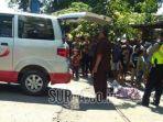 evakuasi-nenek-marpuah-yang-tewas-terlindas-truk-di-sidoarjo_20180506_152803.jpg