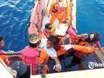 evakuasi-pemancing-di-kapal-tenggelam.jpg