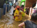 evakuasi-sejumlah-warga-di-kelurahan-kebon-baru.jpg