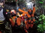 evakuasi-tiga-mahasiswa-unsika-terjebak-di-gua.jpg
