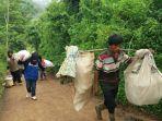 evakuasi-warga-cipatat-kabupaten-bandung-barat_20161120_023007.jpg