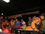 evakuasi-warga-pulau-sebuku_20181228_230644.jpg