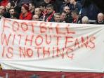 fans-liverpool-yang-melakukan-protes_20160208_170811.jpg