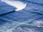 fenomena-langka-dan-indah-yang-disebut-dengan-lintas-laut.jpg