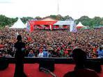 festival-border-aruk-kalbar-tembus-6137-wisman-malaysia_20161108_140212.jpg