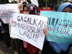Anggota Komisi IX DPR Sayangkan Pembahasan RUU Omnibus Law Tetap Berjalan