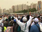 foto-foto-pemakaman-mbah-maimun-di-pemakaman-al-mala-mekkah4.jpg