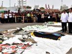 foto-foto-presiden-joko-widodo-meninjau-posko-evakuasi-musibah-lion-air-jt-610-4_20181031_084502.jpg