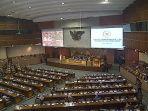 foto-sidang-rapat-paripurna-dengan-bpk-dan-menteri-keuangan-sri-mulyan_20170519_111944.jpg