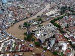 foto-udara-banjir-rendam-jalan-jatinegara-barat_20200101_234235.jpg