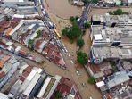 foto-udara-banjir-rendam-jalan-jatinegara-barat_20200101_234327.jpg