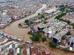 foto-udara-banjir-rendam-jalan-jatinegara-barat_20200101_234422.jpg