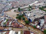 foto-udara-banjir-rendam-jalan-jatinegara-barat_20200101_234518.jpg