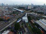 foto-udara-suasana-kawasan-stasiun-tanah-abang_20210502_185104.jpg