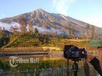 fotografer-mengabadikan-gunung-agung-dari-embung-besakih_20180701_065902.jpg
