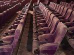 gedung-bioskop-di-ipoh-perak-malaysia-berjamur-dan-berdebu.jpg