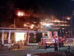 gedung-kejaksaan-agung-ri-terbakar-hebat_20200822_220504.jpg