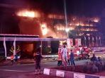 gedung-kejaksaan-agung-ri-terbakar-hebat_20200822_220648.jpg