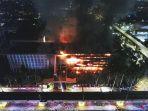 gedung-kejaksaan-agung-ri-terbakar-hebat_20200822_224326.jpg