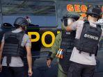 gegana-sat-brimobda-lakukan-simulasi-penanganan-bom_20180301_145127.jpg