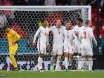 gelandang-inggris-jordan-henderson-tengah-merayakan-gol-dengan-rekan-satu-timnya.jpg