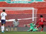 HASIL Babak I Liverpool vs Aston Villa: Drama VAR & Salah Buang Peluang Emas, The Villans Unggul 0-1