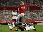 Donny van de Beek Jarang Dapat Operan, Legenda Manchester United Beri Komentar Nyinyir