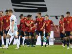 gelandang-spanyol-ferran-torres-tengah-merayakan-gol-dengan-rekannya.jpg