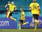 gelandang-swedia-emil-forsberg-kiri-merayakan-setelah-mencetak-gol-pertama-timnya.jpg