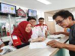 general-manager-honda-customer-care-center-hc3-division-ahm-istiyani-susriyati-sedang.jpg