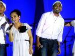 Tangis Sheila Majid Pecah Saat Nyanyikan Lagu untuk Glenn Fredly
