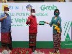 Dukung Pergub Bali, Grab Hadirkan Sepeda Motor Listrik dan SPBKLU di 7 Titik