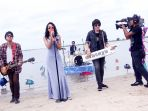 grup-musik-vierratale-diacara-sinetron-mermaid-in-love-2-dunia_20161206_150306.jpg