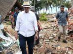gubernur-bantenwahidin-halim-saat-meninjau-lokasi-terdampak-tsunami.jpg