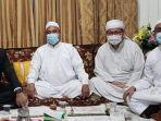 gubernur-dki-jakarta-anies-baswedan-dengan-pemimpin-front-pembela-islam-fpi-rizieq-shihab.jpg