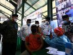 gubernur-dki-jakarta-anies-baswedan-mengunjungi-sentra-vaksinas.jpg