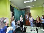 gubernur-dki-jakarta-saat-mengunjungi-fasilitas-kesehatan.jpg