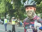 Tak Diundang ke Acara Puan, Ganjar Gowes di JLNT Kampung Melayu dan Temui Megawati