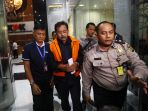 gubernur-riau-resmi-ditahan-kpk_20190712_131251.jpg