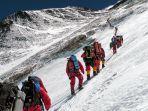 guide-pendaki-gunung-everest.jpg